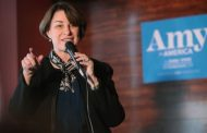 Amy Klobuchar is the only Senate Democrat running for president who doesn't want sweeping change on student loans